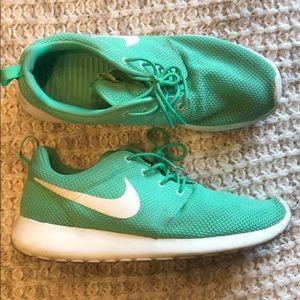Nike Roshe Run Mens 10 light green